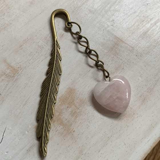 Marque-page Quartz rose, idée cadeaux, noel, anniversaire, fête des mère, artisanat, créations artisanales, boutique suisse