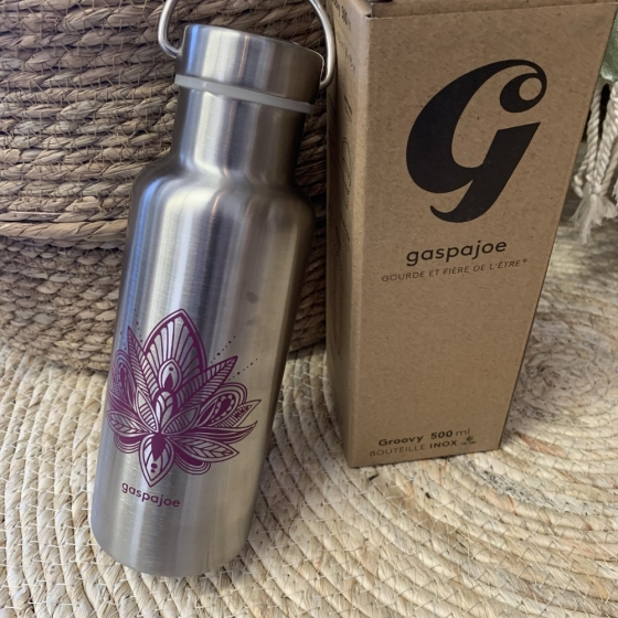Groovy Lotus Violett isolierte Flasche - GaspaJOE