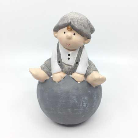 Personnage, figurine décorative garçon en céramique