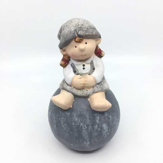 Personnage, figurine décorative fille en céramique