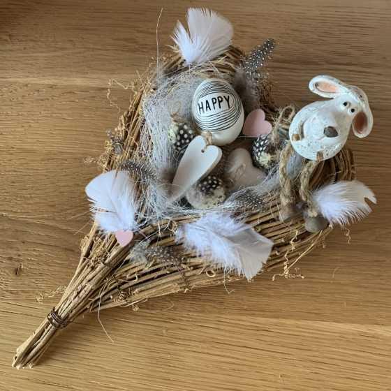 Arrangement de nid de pâques