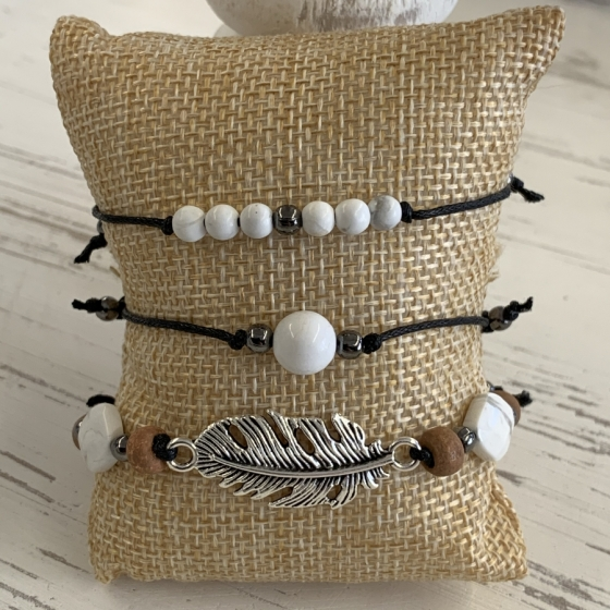 Armbändern aus Howlith