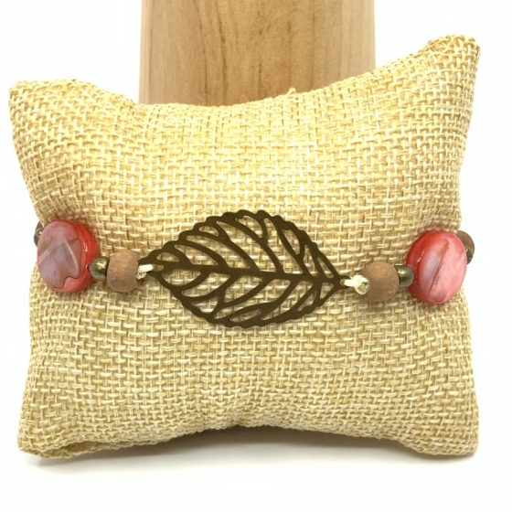 "Bracelet nacre rouge ""Plume"""