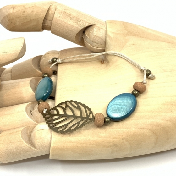 """Bracelet nacre bleu """"Plume"""""""
