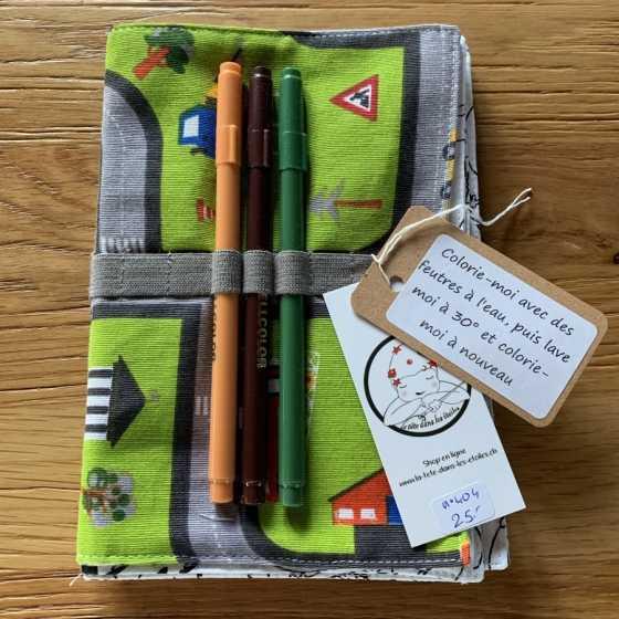 Petit livre lavable en tissu à colorier, idée cadeaux enfant, couture, produit artisanal suisse, boutique, fribourg