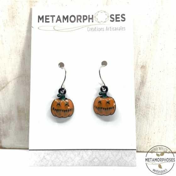 """Boucles d'oreilles fantaisie avec pendentif citrouille """"Halloween"""" orange."""
